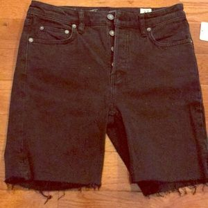 NWT Free People size 27 black cut off shorts